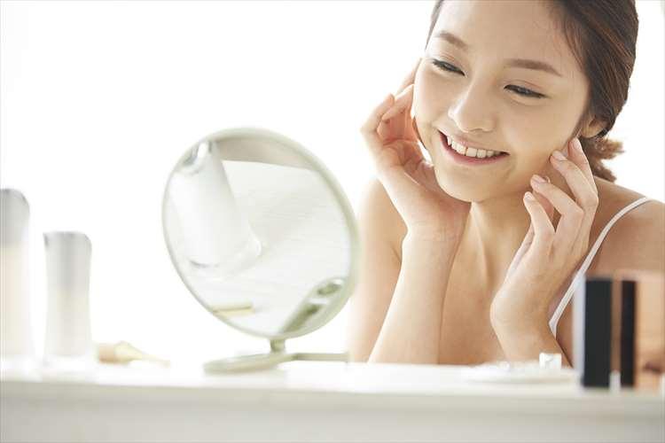 مرأة الابتسام، النظر في المرآة