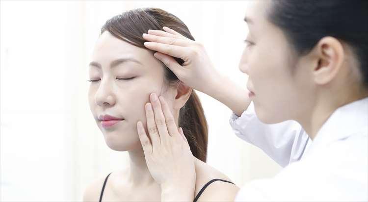 ボツリヌストキシンによる毛穴たるみ治療