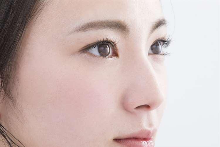 目の幅を外側に広げる手術の目尻切開