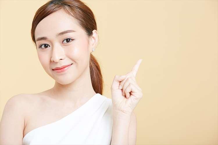 美肌効果を感じている女性のイメージ